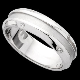 C443 - 18ct white gold grooved band ring