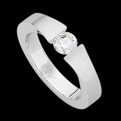 C842-18CT-WHITE-GOLD-FINISH-RING