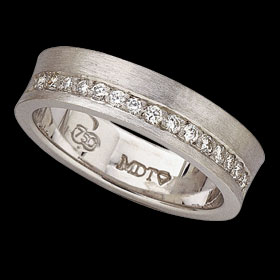 c390 - 18ct white gold concave band