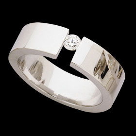 c420 - 18ct white gold polished ring