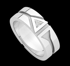 c532a - 18ct white gold gents petterened ring