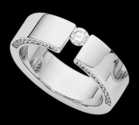 c803a - 18ct white gold ring
