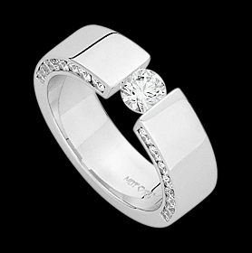 c909a - 18ct white gold polished ring